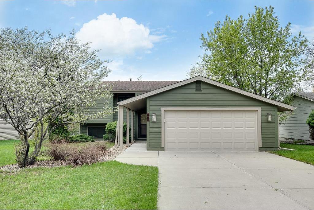 7017 Springhill Circle, Eden Prairie, MN 55346