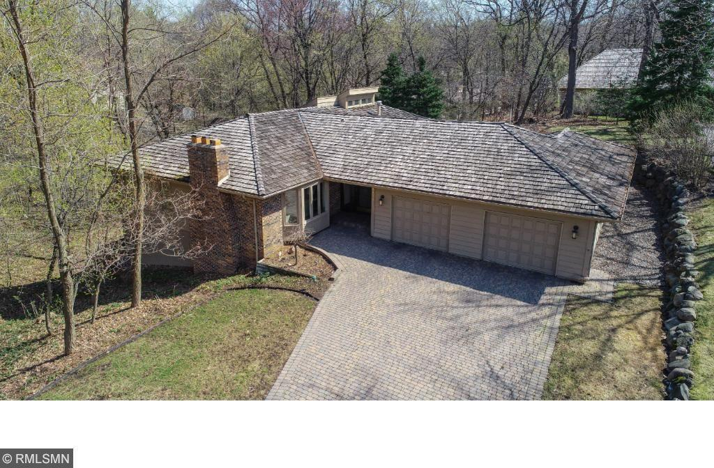 6925 Moccasin Valley Road, Edina, MN 55439