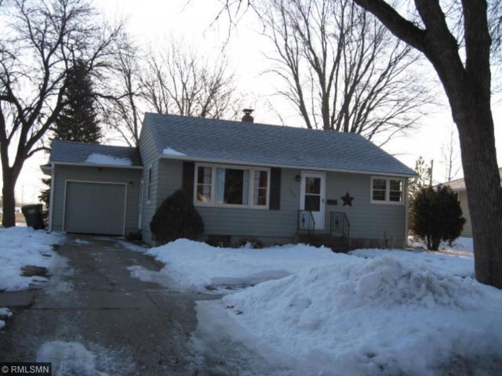 1622 N Knight Avenue, Glencoe, MN 55336