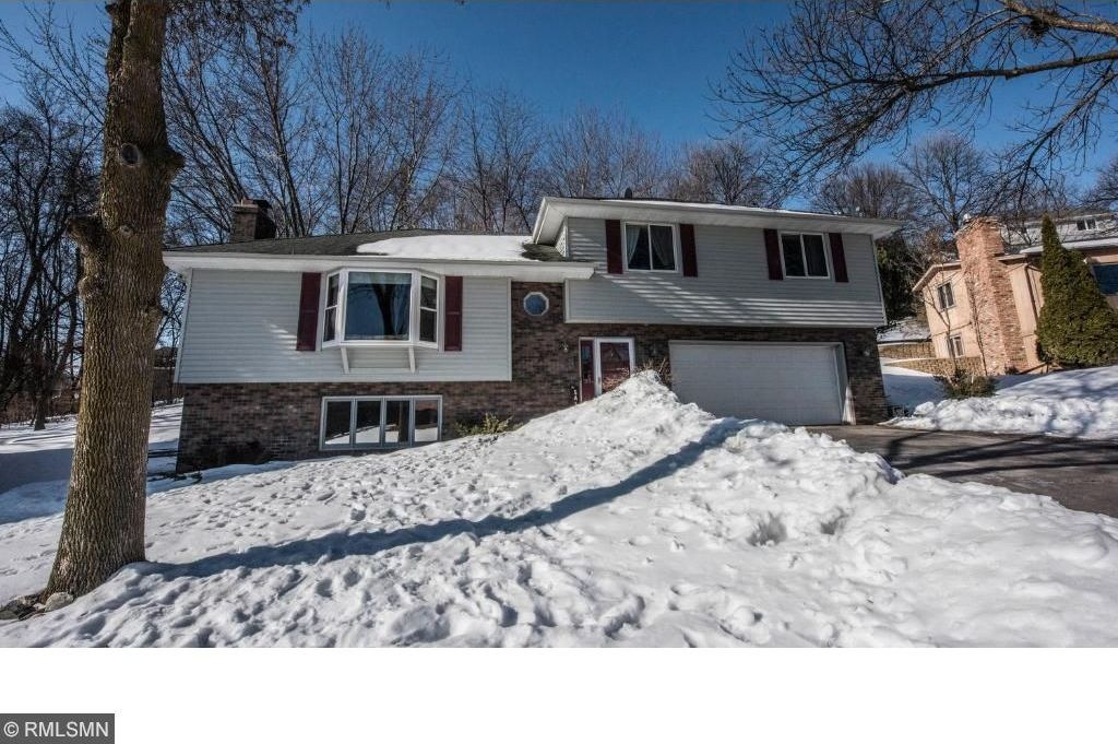 5525 N Quinwood Lane, Plymouth, MN 55442