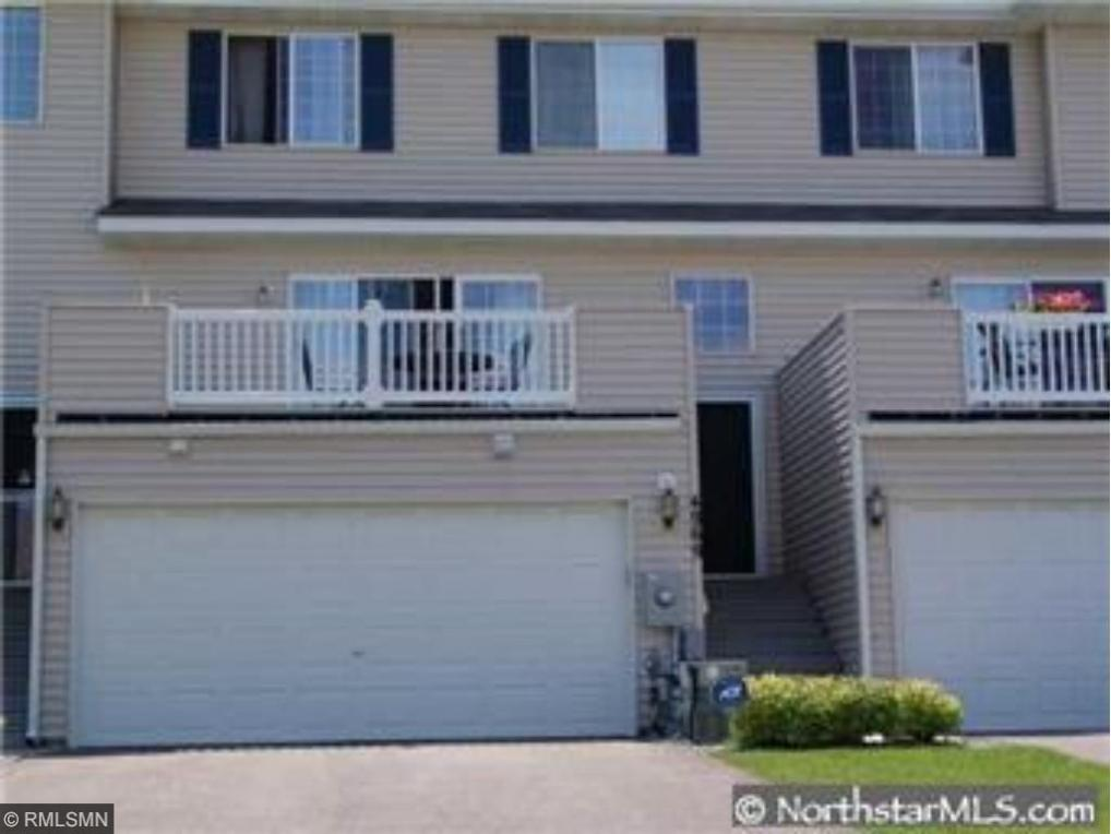 4969 N Grenwich Avenue, Oakdale, MN 55128