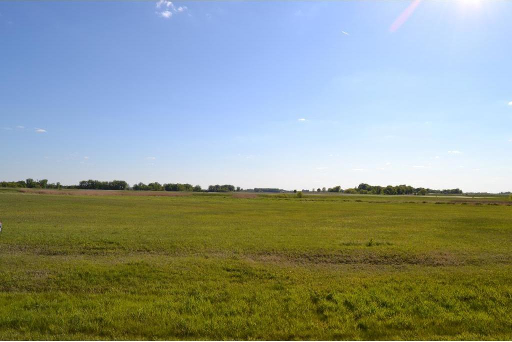 000 Airport Rd, Hutchinson, MN 55350