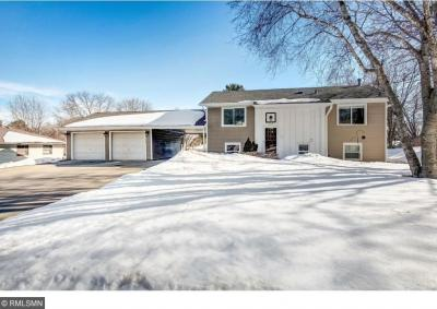 Photo of 260 Pinewood Drive, Apple Valley, MN 55124