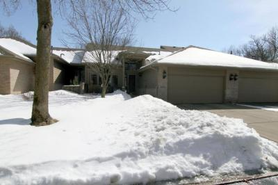 Photo of 8918 Hunters Way, Apple Valley, MN 55124
