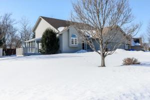 17418 Homestead Trail, Lakeville, MN 55044