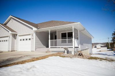 Photo of 1012 State Street, Belle Plaine, MN 56011