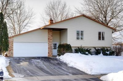 Photo of 4686 W 142nd Street, Apple Valley, MN 55124