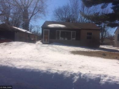 1500 E Sandhurst Drive, Maplewood, MN 55109