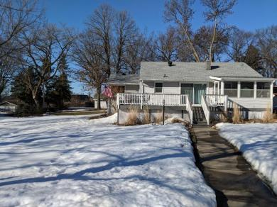 868 SE 9th Avenue, Forest Lake, MN 55025