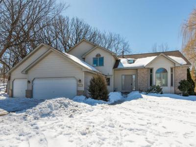Photo of 13022 Forest Glen Drive, Burnsville, MN 55337