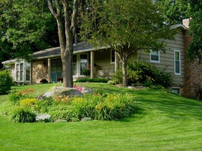 Photo of 13501 S York Avenue, Burnsville, MN 55337