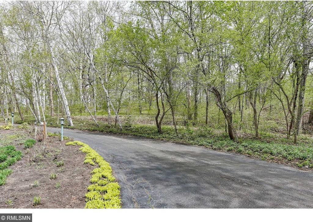 6603 Mohawk Trail, Edina, MN 55439