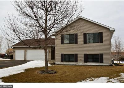 Photo of 924 Sunrise Lane, Belle Plaine, MN 56011