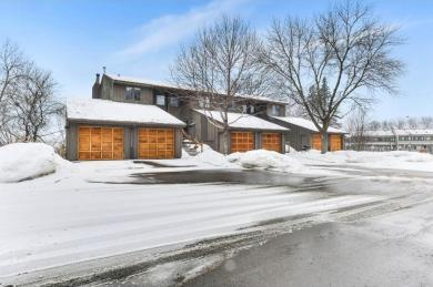 8960 Neill Lake Road, Eden Prairie, MN 55347