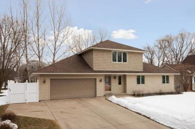 Photo of 2430 Barclay Street, Maplewood, MN 55109