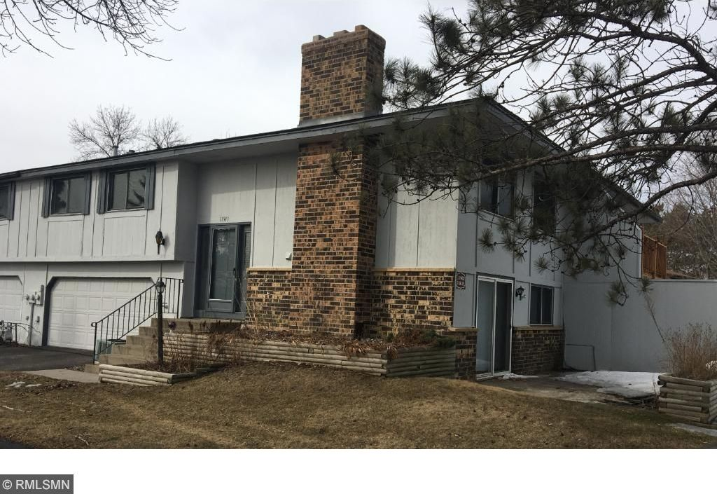 11913 N 70th Place, Maple Grove, MN 55369