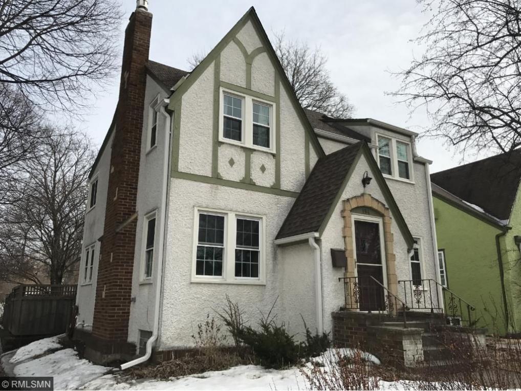 194 Oak Grove Place, Saint Paul, MN 55105