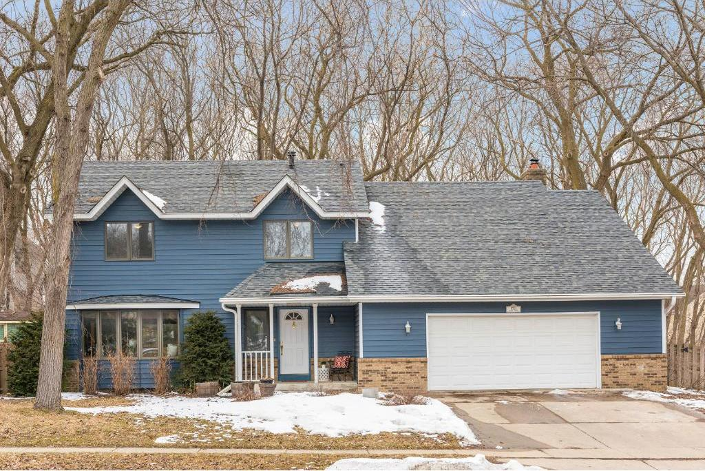 17275 Hayes Avenue, Lakeville, MN 55044
