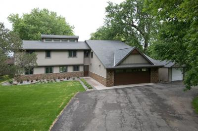 Photo of 2820 Shore Drive, Prior Lake, MN 55372