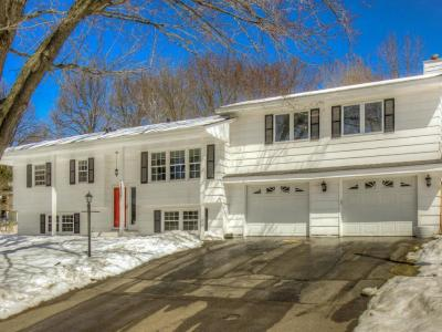 Photo of 13205 Lakeview Drive, Burnsville, MN 55337