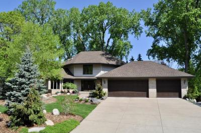 Photo of 450 Valleywood Circle, Golden Valley, MN 55422