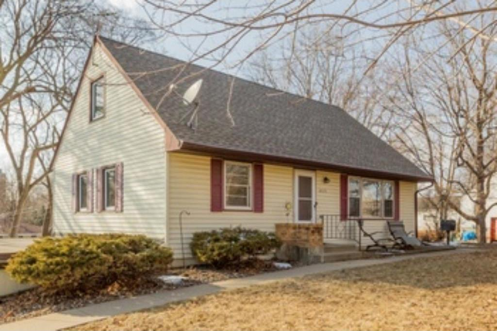 8020 S Russell Avenue, Bloomington, MN 55431