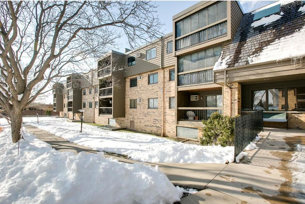 999 NE 41st Avenue #201, Columbia Heights, MN 55421