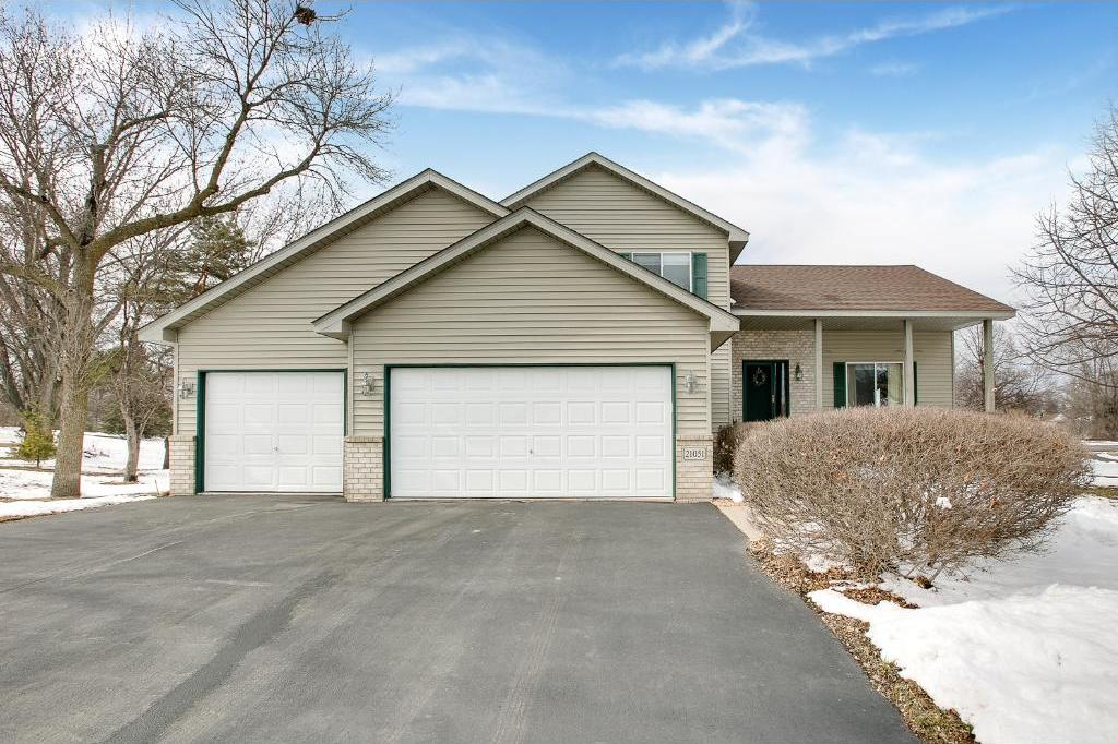 21051 Honeycomb Court, Lakeville, MN 55044