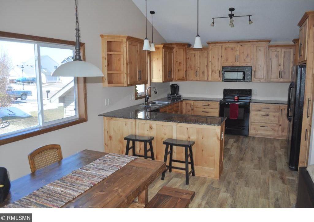 9221 Fairway Hill Drive, Elko New Market, MN 55020
