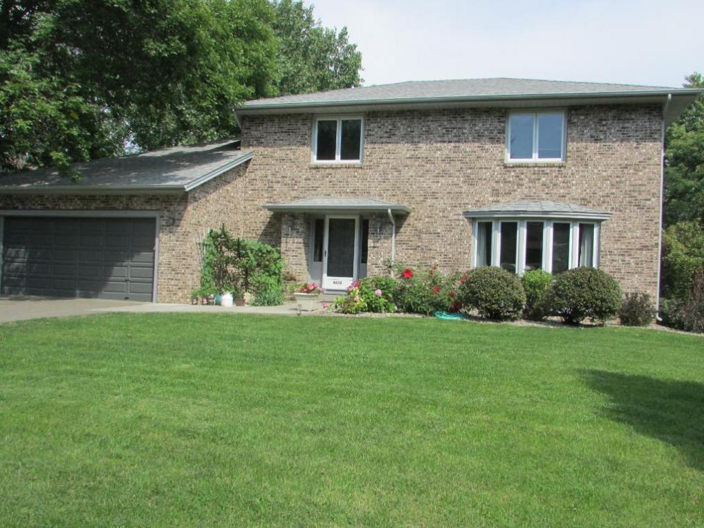 4450 N Victoria Street, Shoreview, MN 55126