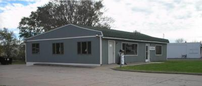 Photo of 581 NW Old Highway 8, New Brighton, MN 55112