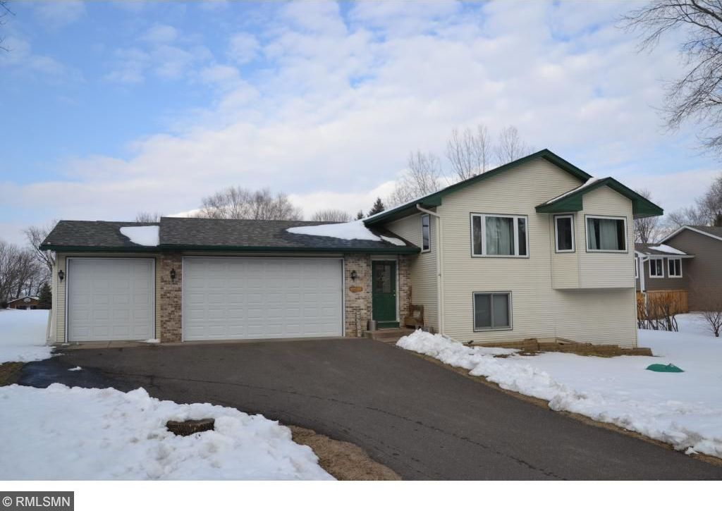 21307 N Inwood Avenue, Forest Lake, MN 55025