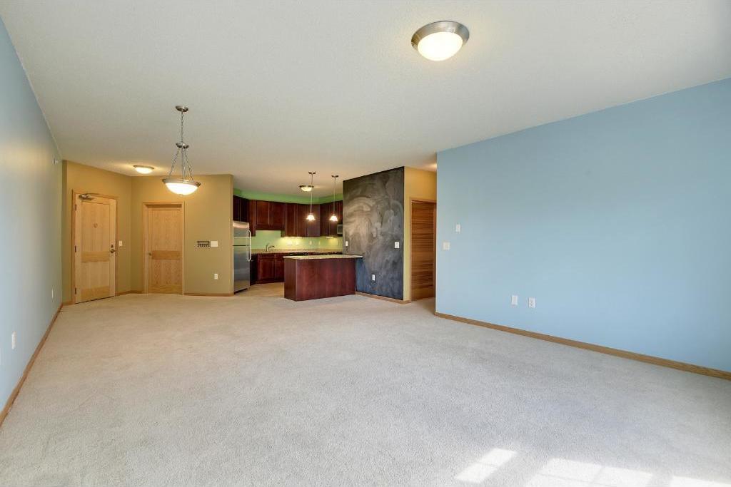 619 SE 8th Street #415, Minneapolis, MN 55414
