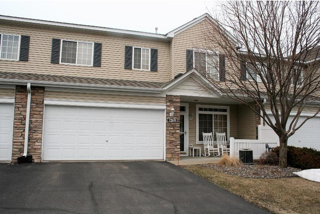 726 Maple Hills Drive #B, Maplewood, MN 55117