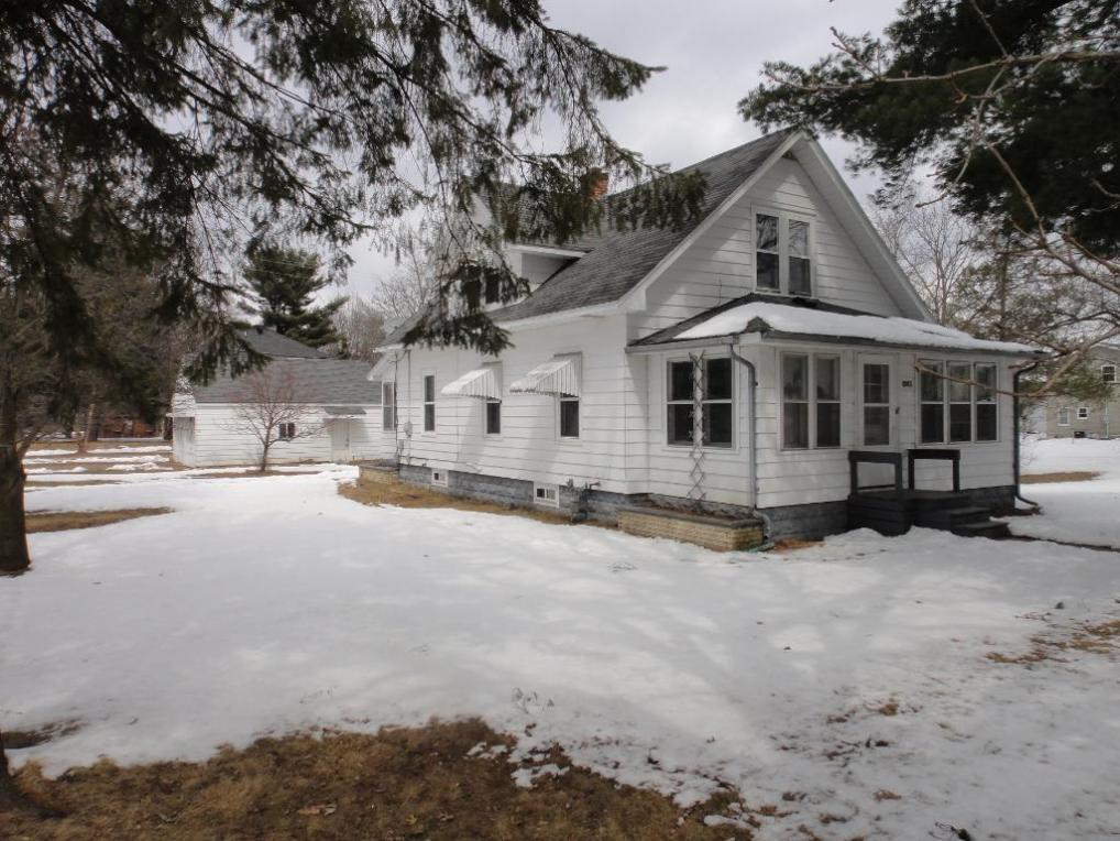 928 Bartlett Ave, Altoona, WI 54720