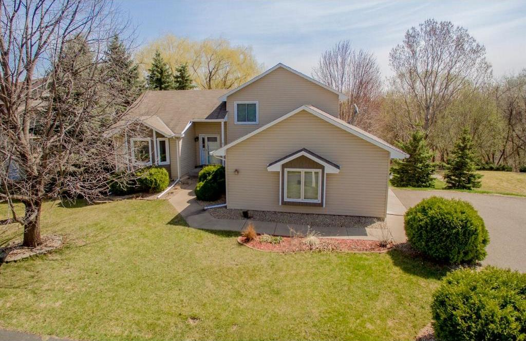 8780 N Pineview Lane, Maple Grove, MN 55369