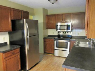 Photo of 16984 Glenwood Avenue, Lakeville, MN 55044