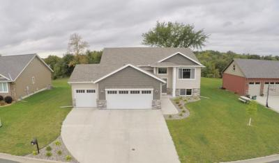 Photo of 815 Golfview Avenue, Zumbrota, MN 55992