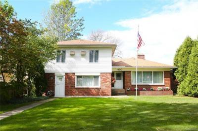 Photo of 400 Allenhurst Road, Amherst, NY 14226