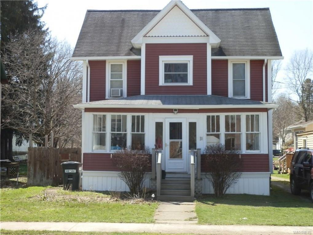 31 1st Avenue, Franklinville, NY 14737