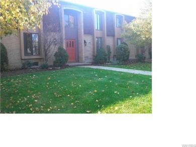 185 Charter Oaks Drive #4, Amherst, NY 14228