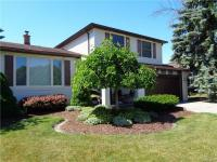 2 Old Farm Court, Cheektowaga, NY 14043