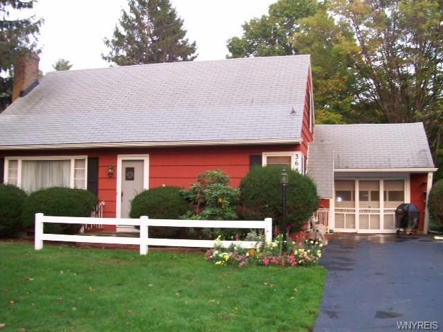 Hamburg - Cape Cod - No Village Taxes - Just Reduced!