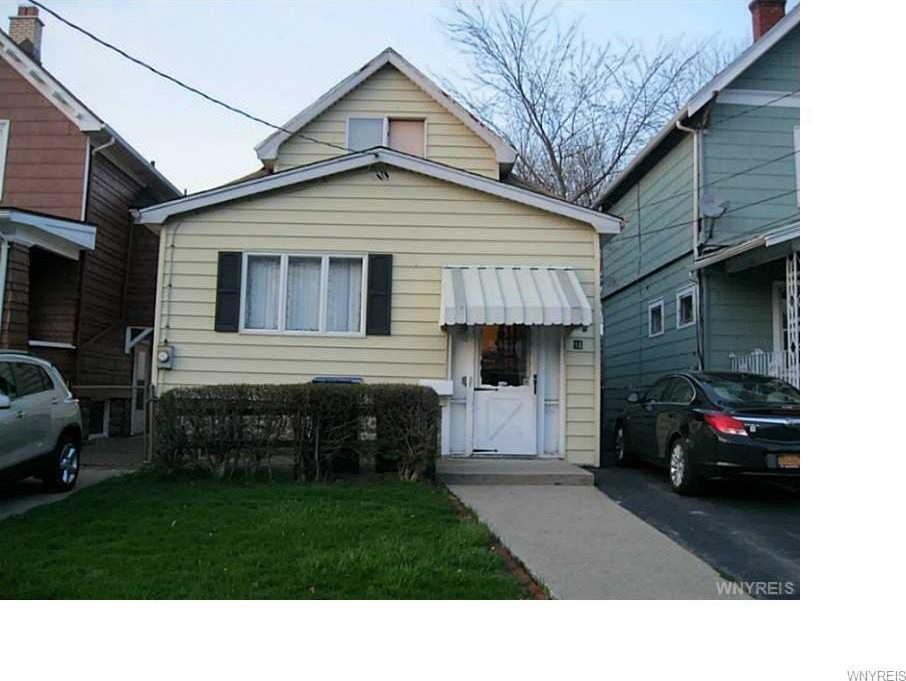 81 Henrietta Avenue, Buffalo, NY 14207