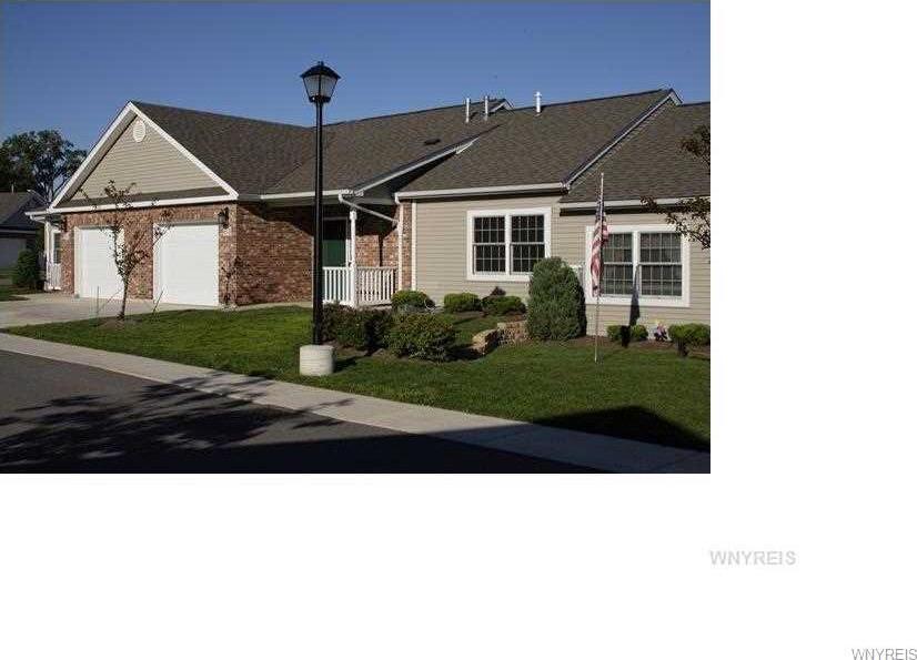 100 Crestwood, Wheatfield, NY 14120