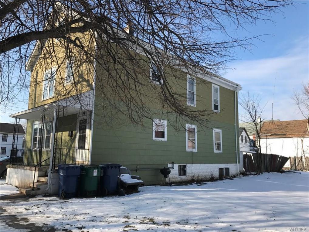 82 California Street, Buffalo, NY 14213