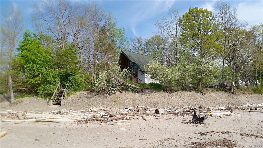 9590 Point Breeze Drive, Evans, NY 14006