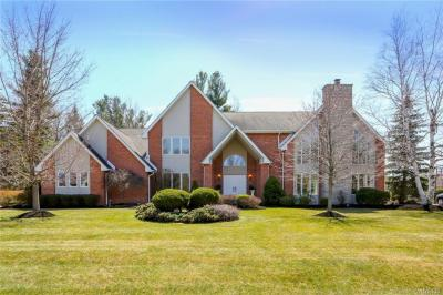 Photo of 35 Regents Park, Amherst, NY 14051