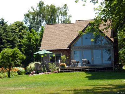 Photo of 4749 Lake Road East, Wilson, NY 14028