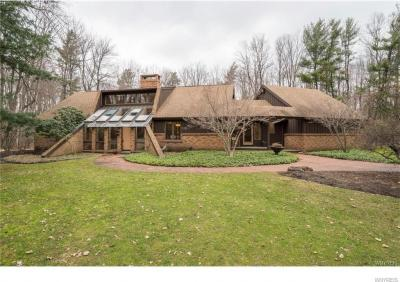 Photo of 5600 Armor Duells Road, Orchard Park, NY 14127